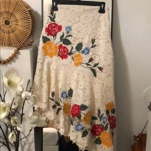 Embroidered asymmetrical lace skirt
